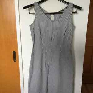 Eddie Bauer, seersucker, 100% cotton dress.